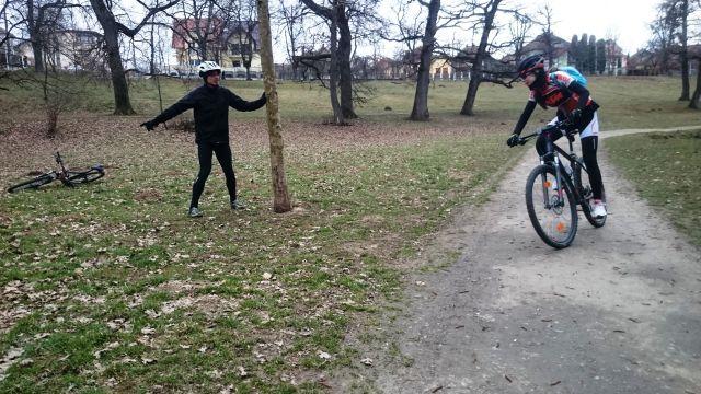 antrenament tehnica viraje mountain bike